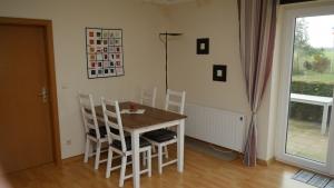 Wohnung II Wohnzimmer (1)