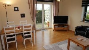 Wohnung II Wohnzimmer (2)