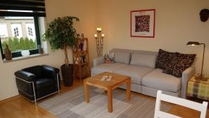 Wohnung II Wohnzimmer (4)